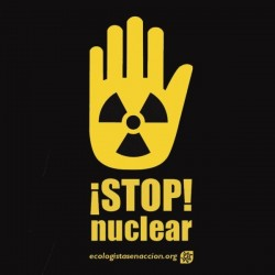 Camiseta Stop Nuclear